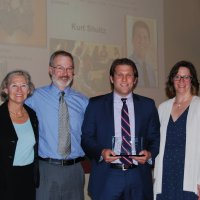 Photo of Kurt Schultz receiving iCons Mahoney Alumni Award