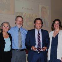 Photo of Kurt Schultz receiving iCons Mahoney Alumni Award
